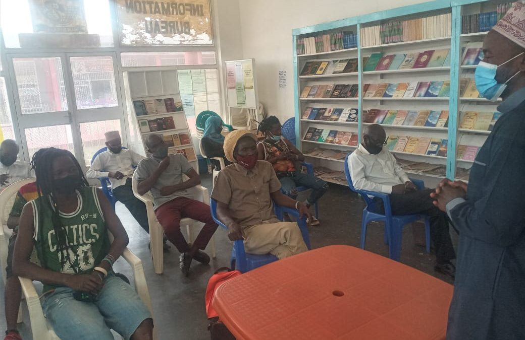 Lilongwe IIB Distributes Books to Vendors
